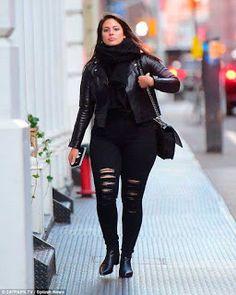 Descubre como utilizar el estilo #Rockero de una manera muy chic y sin importar tu edad, tipo de cuerpo o entorno.  #Rockstar #estilo #style #rocker #imagen #asesoria de imagen #abiqui #elsalvador #DesignYourLife #curvy