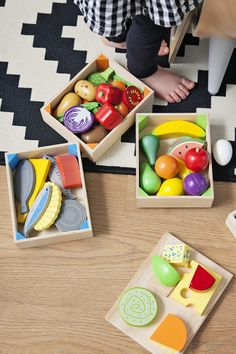 The perfect accompaniment for your modern play kitchen: this fruit crate will get your child playing chef in no time! Bigjigs Toys wooden play food is ideal to help your little one to learn and explore through imaginative play. Contemporary Nursery Decor, Wooden Play Food, Half Painted Walls, Vegetable Crates, Modern Playroom, Crate Bookshelf, Plan Toys, Cook Up A Storm, Crate Storage