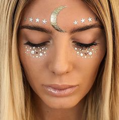 5 new beauty and hair ideas to inspire your look at Coachella festival Festival Trends, Rave Festival, Festival Looks, Festival Outfits, Festival Fashion, Festival Style, Festival 2017, Maquillage Halloween, Halloween Makeup
