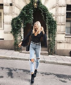 casual outfit ideas, boyfriend jeans style #fashion blogger