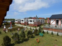 Ośrodek z domkami letniskowymi oraz Holenderskimi usytuowany w spokojnym miejscu…