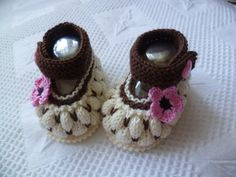 Handmade Knitted Baby Beanie And Booties Set Muffin by strichhexe