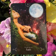 Queen of the moon oracle guidance through a lunar and seasonal energies Stacey Demarco - Hayhouse publishing Animal Spirit Guides, Spirit Animal, Free Psychic Question, Native American History, American Indians, Spiritual Manifestation, Angel Prayers, Oracle Tarot, Astral Projection