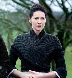 Olen seurannut neulomisen lomassa Outlander-Matkantekijä sarjaa. Ei se nyt mikään lempiohjelma ole, mutta sainpahan sieltä kivan neuleidean....