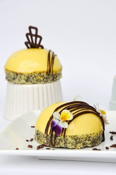 Fresh lemon dessert with interesting twist - lemon and tarragon! These little treats don't dissapoint, impress with simple but beautiful decoration.