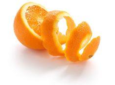 Homemade Remedies For Skin Lightening - Orange Face Mask Face Scrub Homemade, Homemade Face Masks, Lighten Inner Thighs, Orange Peel Skin, Le Gin, Peau D'orange, Remover Manchas, Cucumber Mask, Lighten Skin