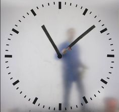 The hand's of Maarten Baas' Schipol clock are drawn on in real time