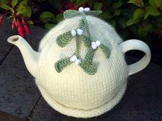 Christmas Mistletoe Tea Cosy
