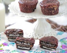 Oreo and Peanut Butter Brownie Cakes - Picky Palate