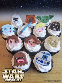 Star Wars cupcakes @Heather Creswell Hart if I get brave enough to try fondant, would this be hilarious?!