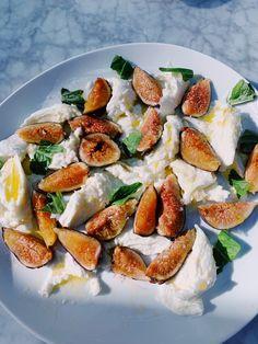 Fig and Burrata Salad Burrata Salad, Fresh Figs, Dinner, Breakfast, Sweet, Food, Dining, Morning Coffee, Meal