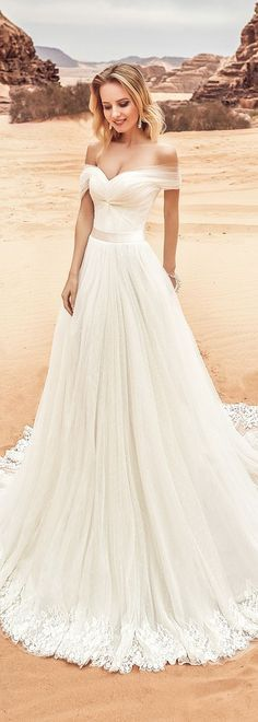 Fantastic Tulle Off-the-shoulder Neckline A-line Wedding Dress With Lace Appliques