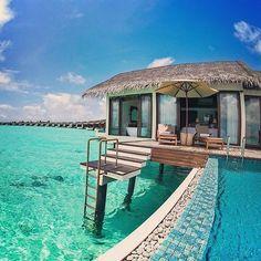 Inaugurado en 2013, The Residence Maldivas es un Luxury Resort situado en Falhumaafushi, una isla virgen en el Gaafu Alifu Atoll, considerado uno de los atolones más grandes y profundos del mundo. Más informaciones: http://www.arenatours.com/maldivas/hotel/the-residence-maldives-luxury/