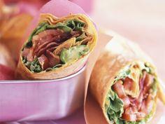 Wraps mit Speck, Tomate und Salat - smarter - Zeit: 20 Min. | eatsmarter.de