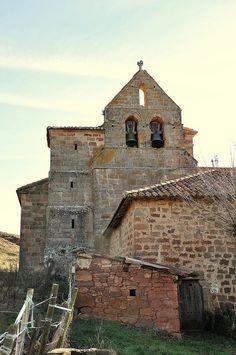 Iglesia románica de San Bartolomé. Bustillo de Santullán.  Palencia.