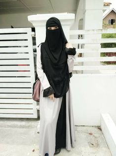 Arab Girls Hijab, Girl Hijab, Hijab Outfit, Beautiful Muslim Women, Beautiful Hijab, Mode Niqab, Pakistani Girls Pic, Niqab Fashion, Face Veil