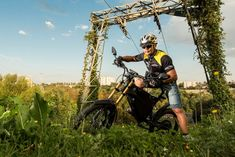 Daniel Tonkopiy is raising funds for Delfast – the e-bike that can go for 236 miles on one charge on Kickstarter! Ever get range anxiety on your ebike? Or feel limited with ebikes? Times are changing. Delfast ebike will get you where you want to go. Electric Moped, Best Electric Bikes, Best E Bike, Best Phone, Clothes Horse, Racing, Adventure, Anxiety, Bike Rides