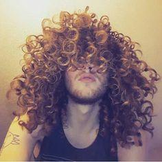 "389 Likes, 1 Comments - ✈13k | Príncipe Cacheado (@principe_cacheado) on Instagram: ""Cachos abertos do nosso Seguidor: @leoelleon0821 ✊❤ que cabeloo fabuloooso.. Inspire-se SIGAM E…"""