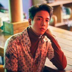 CNBLUE   Yonghwa   7th Mini Album 7°CN