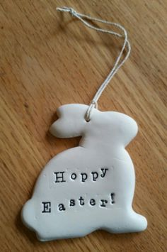 Air dry clay Air dry clay The post Air dry clay appeared first on Clay ideas. Easter Art, Hoppy Easter, Easter Crafts, Clay Crafts For Kids, Diy For Kids, Air Dry Clay Ideas For Kids, Easter Projects, Clay Projects, Polymer Clay Crafts