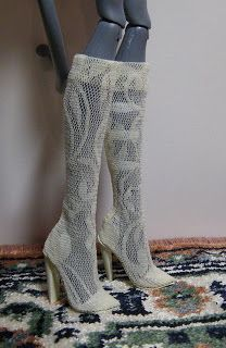 Fashion Doll Shoes: Black and white Monster High boots