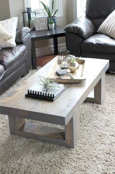 Love these coffee table decor ideas! Beautiful chic styling :) Perfect blend of rustic and industrial.