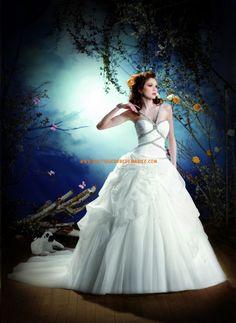 Robe de mariée princesse organza avec bretelles perlées