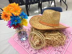 Using fthe jar with floors and bandana underneath idea for sure Cowboy Theme Party, Horse Party, Farm Party, Country Western Parties, Western Theme, Western Decor, Western Party Decorations, Table Decorations, Cowboy Centerpieces