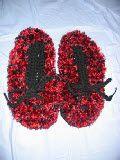donnascrochetdesigns.com freeshoeslipper boa-slippers-free-crochet-pattern.html