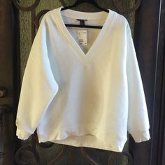 V neck sweater H&M Cute V Neck sweater from H&M brand new never worn H&M Tops