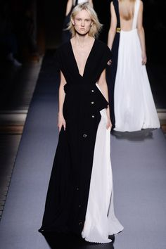 Vionnet Fall 2016 Ready-to-Wear Fashion Show  http://www.theclosetfeminist.ca/  http://www.vogue.com/fashion-shows/fall-2016-ready-to-wear/vionnet/slideshow/collection#5