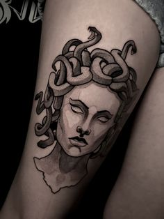 jellyfish - jellyfish You are in the right place about geometric tattoo Here we offer you the most beautiful pi - Mini Tattoos, New Tattoos, Body Art Tattoos, Sleeve Tattoos, Tatoos, Medusa Tattoo Design, Tattoo Designs, Piercing Tattoo, Piercings