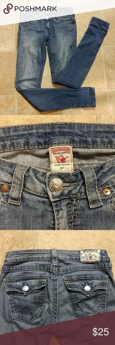 "True Religion Skinny Jeans Size 27 Very nice True Religion skinny jeans. Size 27. No rips. No stains on jeans. True Religion tab on the back has some blue color bleeding. Please see picture.  Rise: 8"" Inseam: 35""  Make me an offer! True Religion Jeans Skinny"