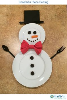 Spread holiday cheer all the way to the dinner table with a decorative place setting. This is a guide about <i>snowman place setting</i>.