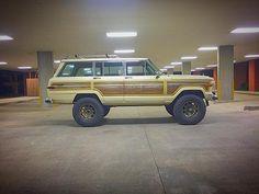Jeep Wagoneers! : Photo