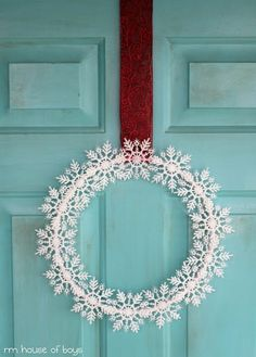 ۞ Welcoming Wreaths ۞  DIY home decor wreath ideas - Snowflake Wreath