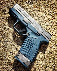 Manufacturer: Springfield Armory  Mod. XDs 45  Type - Tipo: Pistol Caliber - Calibre: 45 ACP  Capacity - Capacidade: 6 Rounds  Barrel length - Comp.Cano: 3.3  Weight - Peso: 609 g @springfieldarmoryinc By @gunnwerks #guns#military#springfield#tactical#firearms#shooting#armaswords#instagood#follow#armaswords#gunspictures#pistol#protectthesecond#tacticallife#dailybadass#ammo#pewpew#judge#gunporn#weapons#handgun#xds45#45acp by armaswords