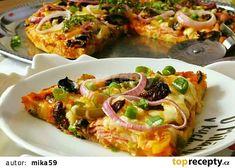 Slaný koláč z rohlíků alla pizza recept - TopRecepty.cz Vegetable Pizza, Quiche, Hamburger, Vegetables, Breakfast, Morning Coffee, Quiches, Vegetable Recipes, Burgers
