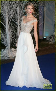Taylor Swift in Reem Acra dress @ the Winter Whites Gala, London
