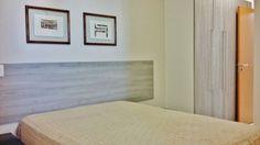 Apartamento com 84 m2º Vista descortinada, 2 suítes, sala 2 ambientes, cozinha americana, Piscina, salão de festas, sauna  Varanda. Apartamento com planejados, ar condicionado, mobiliado, lustres, cortinas, duas vagas de garagem demarcadas.