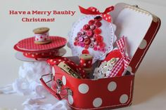 Christmas Button Baubles (ornaments) tutorial...these are so sweet, must make a bunch!