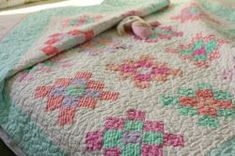 PB & J jelly roll ? Blue Elephant tutorial on Moda Bake Shop: Granny Square Quilt Jellyroll Quilts, Lap Quilts, Quilt Blocks, Patch Quilt, Scrappy Quilts, Granny Square Quilt, Sunburst Granny Square, Granny Squares, Quilting Tutorials