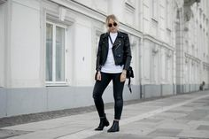 My go-to Zara biker jacket Undone t-shirt Pieces jeans Acne boots Street style Outfit ootd minimal monochrome look danish blogger Bykrog #theyallhateus