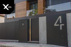 Modern minimalist fence by Xcel- Modern black gate Gate Wall Design, House Fence Design, House Main Gates Design, Grill Door Design, Design Your Dream House, Modern House Design, Gate Designs Modern, Modern Gates, Bungalow Haus Design