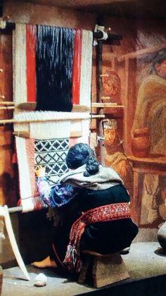 Técnica de telar mapuche. Museo de Colchagua, Chile. Southern Cone, Patagonia, Gabriel Garcia Marquez, Textiles, Textile Fiber Art, Museum Exhibition, Present Day, Textile Design, South America