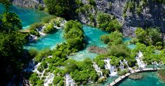The oldest park in Southeast Europe and the largest national park in Croatia, Plitvice Lakes National Park is known for its cascading lakes. The lakes dazzle with their vast array of beautiful colors, which range from green to blue.
