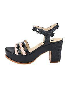 Le talon massif : la nouvelle coqueluche des fashionistas. On adore le look glamour de ces sandales compensées