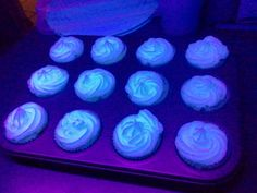 Glow in the dark Lemonade cupcakes!