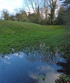 Piggy's Hollow, Evington, site of a medieval manor house. http://www.visitleicester.info/things-to-see-and-do/heritage/historic-villages/evington-village/things-to-see-and-do/piggys-hollow/