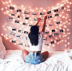 Room decor - Creative diy bohemian style home decor ideas 36 Cute Room Ideas, Cute Room Decor, Teen Room Decor, Room Decor With Lights, Bedroom Decor Lights, Bedroom Fairy Lights, Twinkle Lights Bedroom, Picture Room Decor, Light Picture Wall